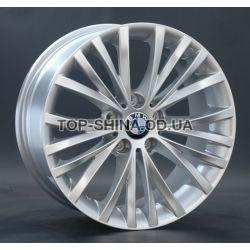BMW (B126) silver