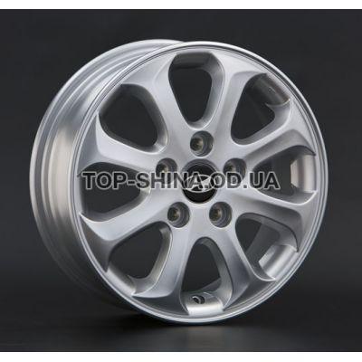 Диски Replay Hyundai (HND23) 5,5x15 4x100 ET46 DIA54,1 (silver)