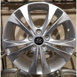 Hyundai (ZY716) silver