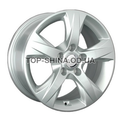 Geely (GL7) silver