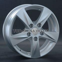 Hyundai (HND58) silver