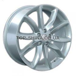 Lexus (LX25) silver