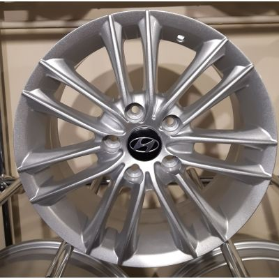 Диски Replica Hyundai (ZY690) 6,5x16 5x114,3 ET38 DIA67,1 (silver)