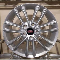 Kia (ZY690) silver